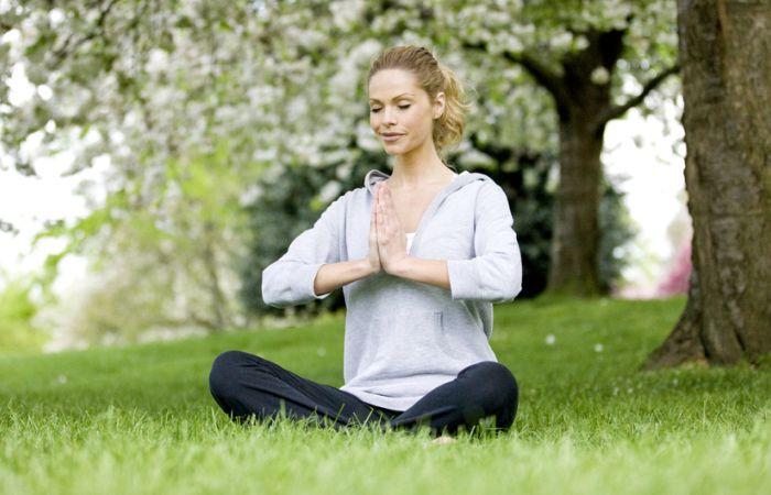 Yoga Experts Guide To Doing Vipassana Meditation
